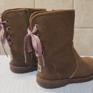 Lace- Up Brown leather uggs